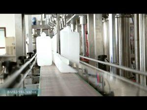 Plnoautomatické zariadenie na plnenie etiketami s plniacim mazacím olejom